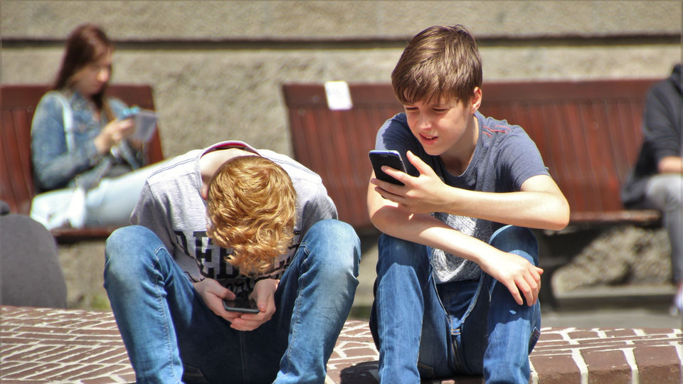 8 Signs Your Child Might Be a Victim of Cyberbullying